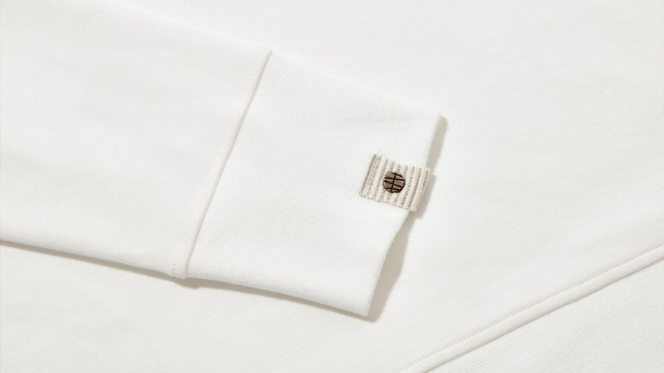 The cuff detail of the cardington baselayer in ivory